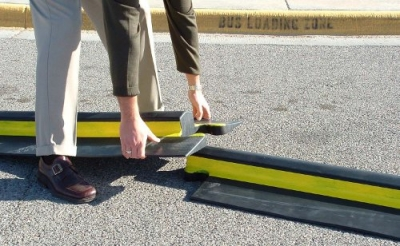 heavy weight speed bump - Rubber Speed Bumps